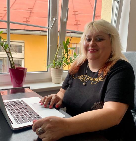 Rúth Hoholová